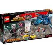 LEGO® Marvel Super Heroes Confruntarea din aeroport a super eroilor 76051