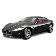 Bburago 18-22107 - 2007 Maserati Gran Turismo Modellino, Scala 1:24, Colori Assortiti: Argento/Nero