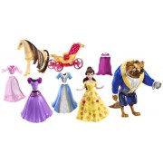 Disney Princess Favourite Moments Belle Deluxe - Muñeca de Bella con accesorios y bolsa de transporte