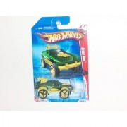 2010 Hot Wheels Race World: Battle- Green Sting Rod w/ Faster Than Ever Rims (4/4) #200/240 on Battleground Card