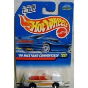 Mattel Hot Wheels 1998 1:64 Scale White 1996 Ford Mustang Convertible Die Cast Car Collector #821