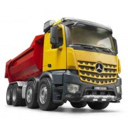 Kamion MB Arocs kiper BRUDER