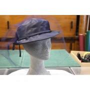 Cappello In Raso Blu Con Veletta