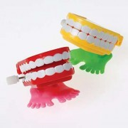 U.S. Toy US Toy - Wind Up Chattering Teeth