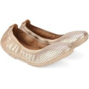 Clarks Un Tract Gold Metallic Bellies(Gold)
