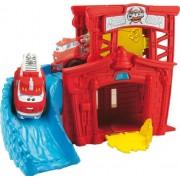 Hasbro Chuck and Friends Chuck mini escenarios Fire Station Splash - Escenario con rampas para coches de juguete