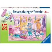 Ravensburger Dress Up Duel - 35 Piece Puzzle