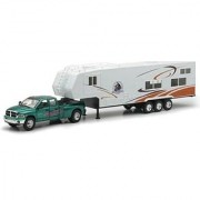 Die-Cast Pick Up Truck with 5th Wheel Camper 1:32