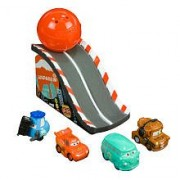 Squinkies Disney Cars 2 Series 1 Bubble Pack Includes 4 Squinkies Ramp by Blip Toys (English Manual)