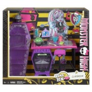 Monster High School Accessory Playset Home Ick Classroom BDD82