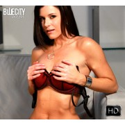 Vstroker Content: India Summer (2D)