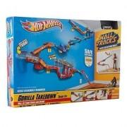 Hot Wheels Wall Tracks - Gorilla Takedown Track Set