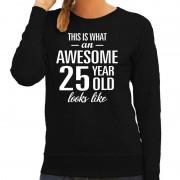 Bellatio Decorations Awesome 25 year / 25 jaar cadeau sweater zwart dames