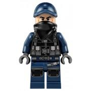 jw032 Minifigurina LEGO Jurassic World-Guard, Scarf jw032