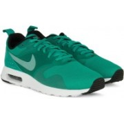 Nike AIR MAX TAVAS Men Running Shoes For Men(Green)