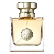 Gianni Versace Una Fragranza Unica Caratterizzata Da Una Radiosa Trasparenza Nelle Note Di Testa, Che Si Annunciano Con Gocce Di Rugiada, Addolcite Da
