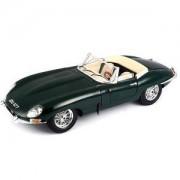 Bburago Gold - модел на кола 1:18 - JaguarECabrio 1961, 0931427