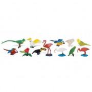 Geen Tropische vogels van plastic