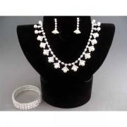 Set bijuterii argintiu cu perlute si cristale