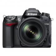 Nikon D7000 + обектив VR18-105 + чанта