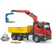 BRUDER 03651 Mercedes Benz Arocs cu basculantă și cu mâna hidraulică