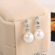 Cercei eleganti cu cristale si perle