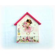 Cuier din lemn handmade - fetita cu flori - 132901