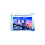 PUZZLE APUS POD NEW YORK, 2000 PIESE - RAVENSBURGER (RVSPA16011)