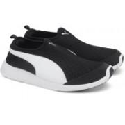 Puma ST Trainer Evo Slip-on DP Running Shoes For Men(Black)