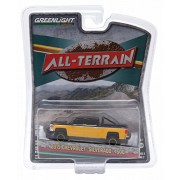 "2015 Chevrolet Silverado 1500 Black And Yellow Pickup Truck ""All Terrain"" Series 2 1/64 By Greenlight 35020 E"
