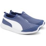 Puma ST Trainer Evo Slip-on DP Running Shoes For Men(Blue, White)
