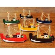 Barco de Pesca de madera - 12 cm.