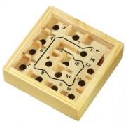 Labirint din lemn