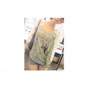 camisa de estilo modelo de color en foto