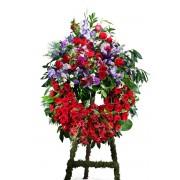 Interflora Coroa Clássica em Tons Vermelho com Cabeceira