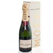 Moët & Chandon brut champagne in cadeau box