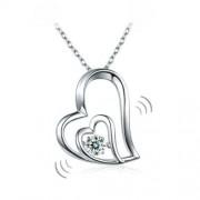 """Ezüst nyaklánc, ferde szív alakú """"táncoló"""" szintetikus gyémánt medállal - 925 ezüst ékszer"""