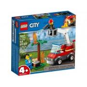 Set de constructie LEGO City Stingerea incendiului de la gratar