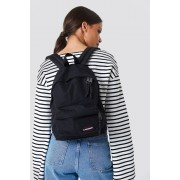 Eastpak Orbit Bag - Väskor - Black