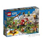 Joc LEGO® City - Comunitatea Orasului Aventuri In Aer Liber 60202