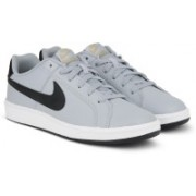 Nike COURT ROYALE Sneakers For Men(Grey)