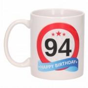 Bellatio Decorations Verjaardag 94 jaar verkeersbord mok / beker - feest mokken
