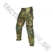 Mil-Tec Warrior Trousers w/ Knee Pads - Flecktarn (Färg: Flecktarn, Storlek: S)
