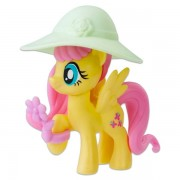 Figurina Fluttershy cu buchet de flori Friendship is Magic My Little Pony