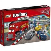 Set de constructie LEGO Juniors Cursa Finala Florida 500