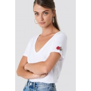 NA-KD V-neck Rose Embroidery Tee - T-Shirts - White