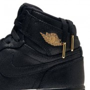 Nike Женские кроссовки Nike Air Jordan 1 Retro High Premium