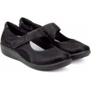 Clarks Sillian Bella Black Bellies For Women(Black)