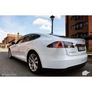 Tesla z szoferem