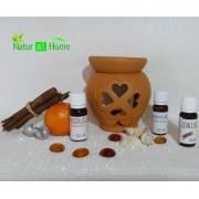 PACHET Candelă de aromaterapie și 3 sticluțe de ulei de parfum HIBISCUS, MAGNOLIE și LAVANDĂ